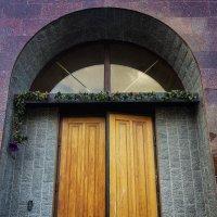 Дверь :: Ангелина Бонд