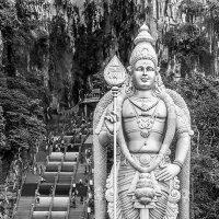 Статуя бога войны Муругана(Малайзия) :: александр варламов