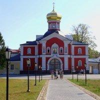 Святые врата с надвратной церковью святителя Филиппа :: Светлана Z.