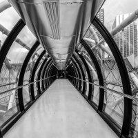 мостик между двумя частями ТЦ :: Георгий А