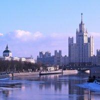 Городской пейзаж :: Евгений Кочуров
