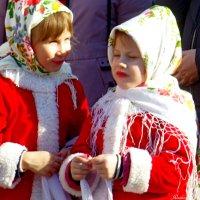 Открой глаза-то, нас фоткают! :: Raduzka (Надежда Веркина)