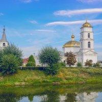 Церковь у озера :: Евгений