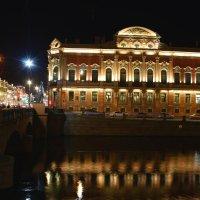 Аничков дворец .Ночь набережная Фонтанки. :: веселов михаил