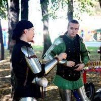Рыцари черный и зеленый :: Александр Чеботарь