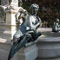 Австрия. Инсбрук. Фрагмент фонтана Леопольда. :: Владимир Драгунский