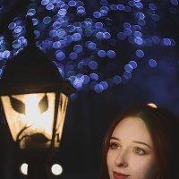 У фонаря :: Анна Пушина