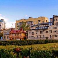 Три здания - три архитектурных стиля. :: Татьяна Кудрина