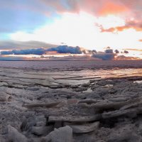 Фотограф ,снимающий закат . :: Андрей Зайцев