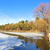 Промоина на озере :: Андрей Снегерёв