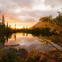 Рассвет на озере :: Фёдор. Лашков