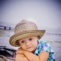 Мальчик в лодке :: Ольга Черкес