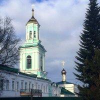 Колокольня женского монастыря :: Татьяна
