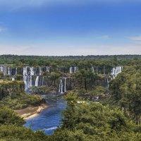 Каскад водопадов Игуасу. вид с территории национального парка БразилииНазвание :: Svetlana Galvez