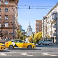 Такси в городе :: Юлия Батурина