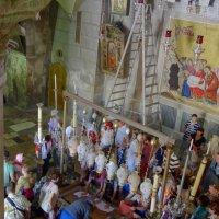 Камень Помазания в храме Вознесения Христова (Гроба Господня) в Иерусалиме. :: Ольга