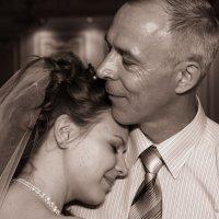 Танец Отца и Дочери... :: Виталий Левшов