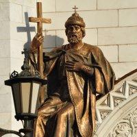 Скульптурные композиции на Храме Христа Спасителя. :: Виталий Виницкий