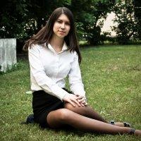 На траве :: Илья Левин