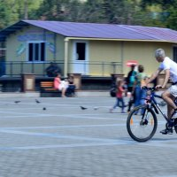 Велосипедист :: Елена Буслаева