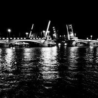 Благовещенский мост :: Олег Мелентьев