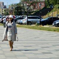 Жизнь хороша, когда гуляешь неспеша... :: Елена Буслаева