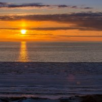 Белое море на закате :: Елена Кордумова