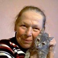 Дама с котёнком :: Марина Кушнарева