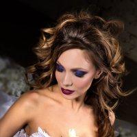 Beautiful woman in white dress :: Ferdinand Studio