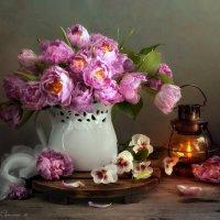С тюльпанами :: Светлана Л.