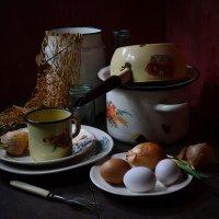 Авоська, яйца, лук. :: Оксана Евкодимова