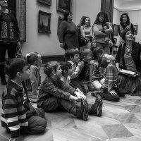 В зале Айвазовского :: Тамара Цилиакус