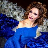 Blue dress :: Ferdinand Studio