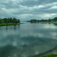 Там, за поворотом реки - озеро Йеллоустон (снимок 1), штат Вайоминг. :: Юрий Поляков