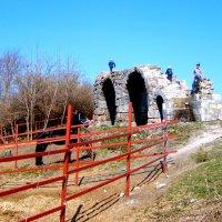 остатки древней кремлёвской стены в Серпухове :: Галина Флора