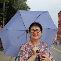 Дама под зонтиком :: Валерий
