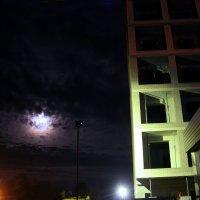 Ночь.Улица.Фонарь.Стройка.. :: igg