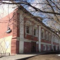 Красные палаты по Пречистенке :: Александр Качалин