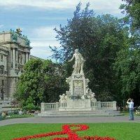 Памятник Моцарту :: Нина Синица