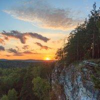 Закат над Игнатьевской пещерой :: Павел Меньшиков