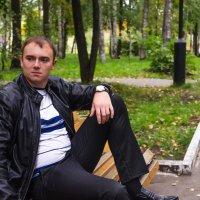 В парке на лавочке :: Андрей Мирошниченко