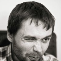 Косит лиловым глазом :: Тата Казакова