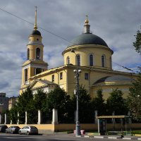 Возле храма :: Алексей Викторук
