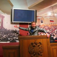 А теперь взгляните на мой портрет :: Александр Рябчиков