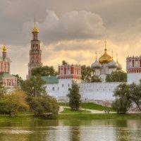 Новодевичий монастырь :: Владимир Балюко