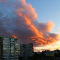 закат из окна... :: Лиза Игошева