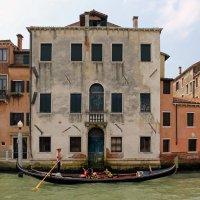 Венецианские гондолы и годольеры :: skijumper Иванов
