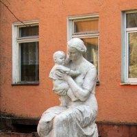 Мать и дитя :: Сергей Карачин