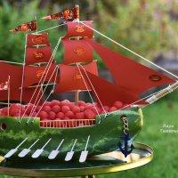 Алые паруса на праздничный стол. :: Лара Гамильтон