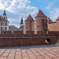 Городская стена Старого города. Варшава. Польша. :: Олег Кузовлев